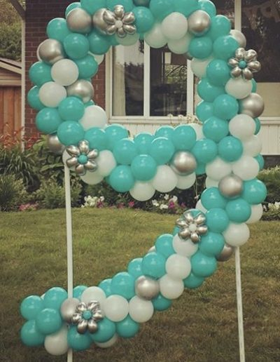 Number-9-lawn-sign-made with balloons
