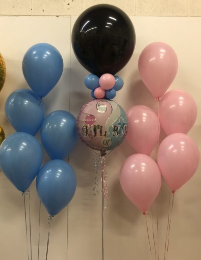 Gender Reveal balloon and 2 groups of 5