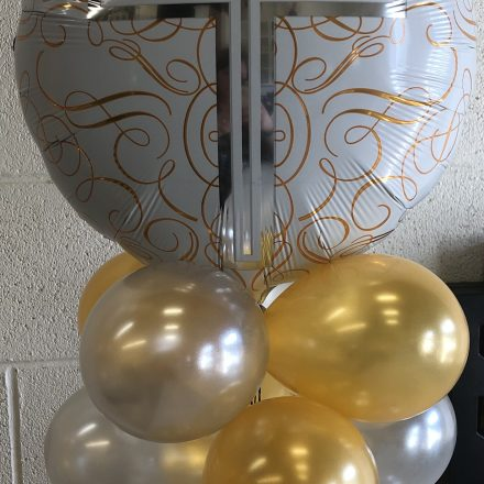 cross balloon table top centre piece